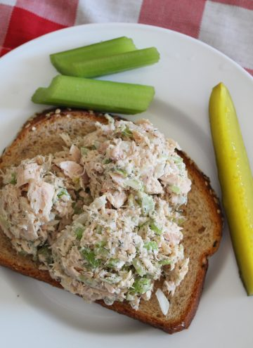 Dill Tuna Salad on Bread