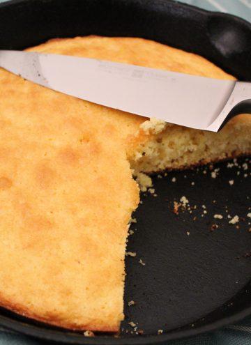 Cornbread in cast iron skilllet