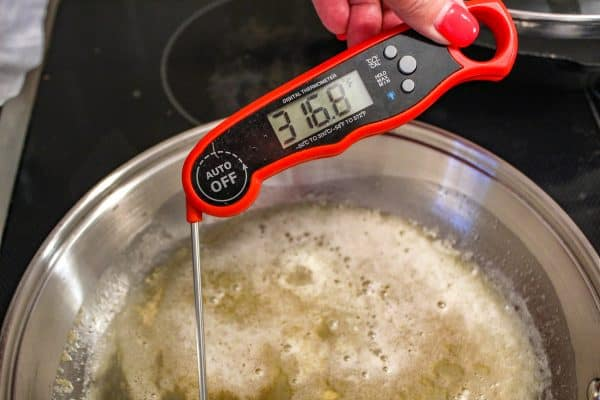 Meat thermometer in oil reading 316ºF